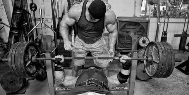 Exercícios básicos ou isolados? Como criar minha rotina de treino?